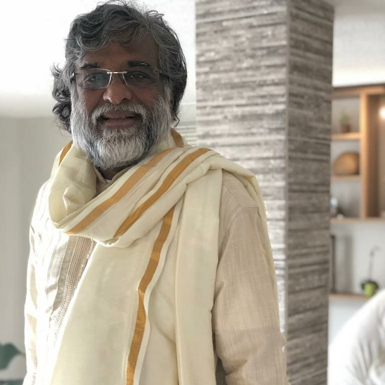 Búzios recebe guru indiano em retiro espiritual de 21 dias
