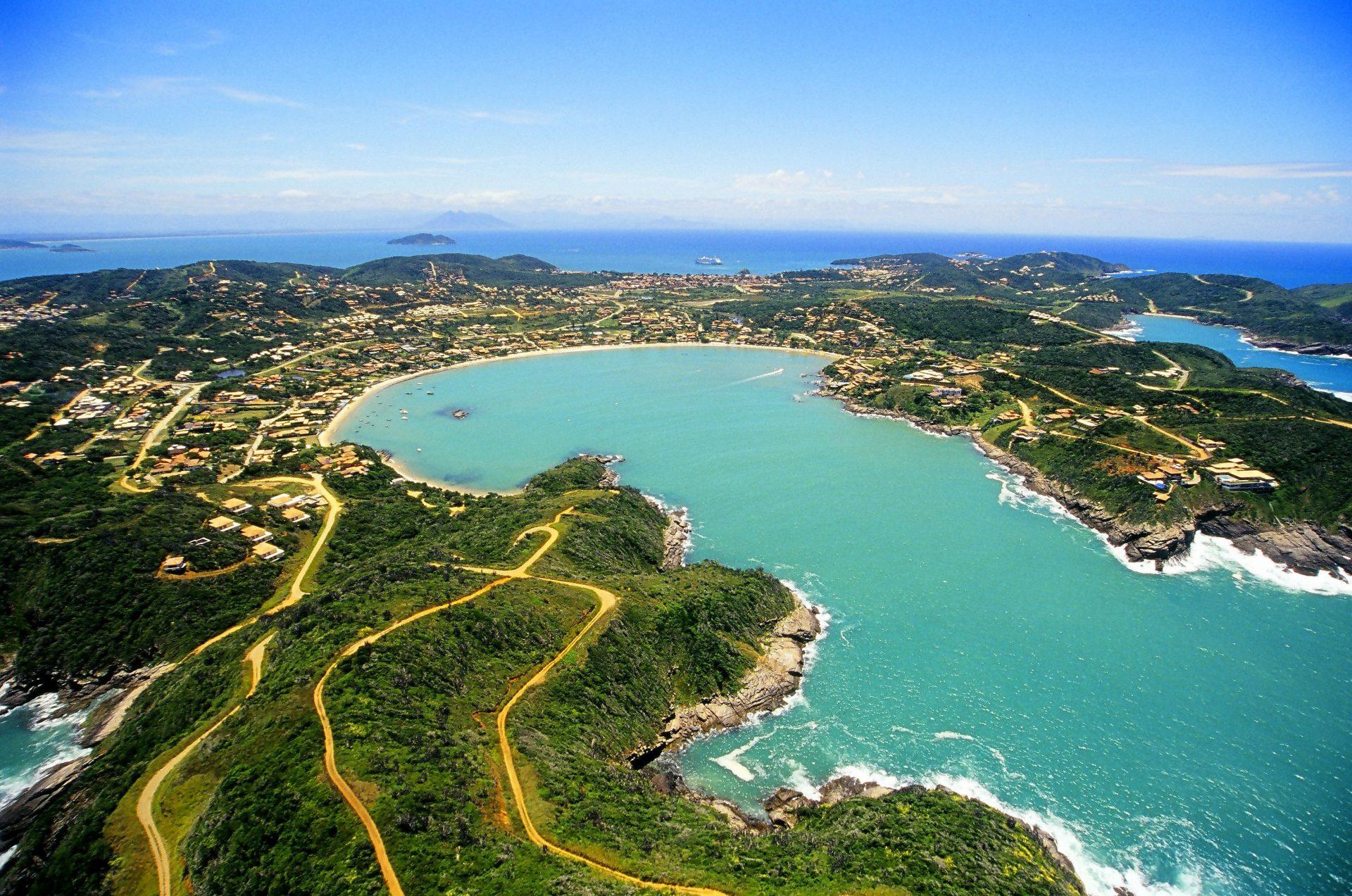 Praia da Ferradura está entre as 50 mais bonitas da América do Sul