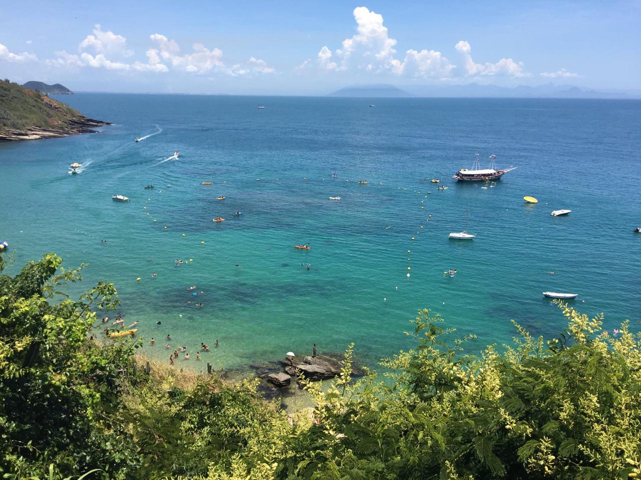 Praia de João Fernandes ganha proteção de corais