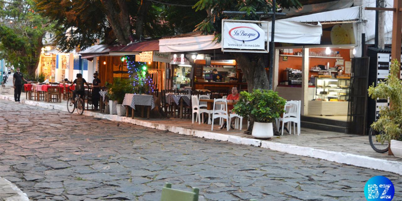 Conheça a história da famosa Rua das Pedras, em Búzios