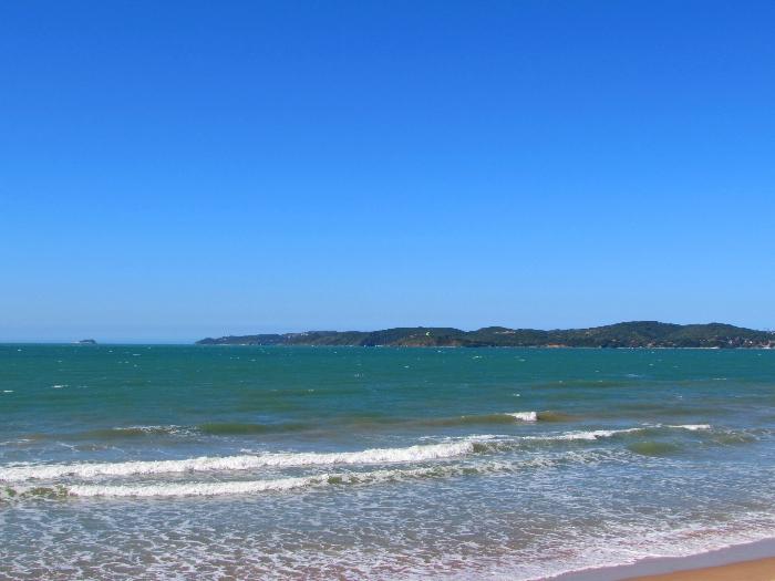 Point de kitesurf e um dos pontos turísticos, hoje, mais fotografados de Búzios! Sabe que praia é essa?