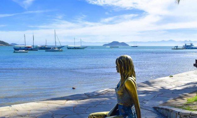 As esculturas de Christina Motta que compõem as paisagens de Búzios